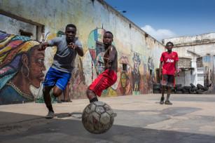 Regula Tschumi Photography album: Boxers, Acrobats and Footballers in Bukom - Regula_Tschumi-9372.jpg