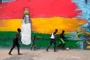 Regula Tschumi Photography album: Boxers, Acrobats and Footballers in Bukom - Regula_Tschumi-0088.jpg