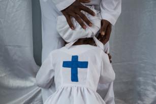 Regula Tschumi Photography album: African Traditional Churches - Regula_Tschumi-2600.jpg