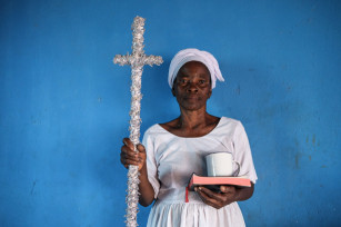 Regula Tschumi Photography album: African Traditional Churches - Regula_Tschumi-0097.jpg