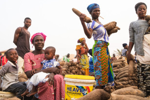 Regula Tschumi Photography album: Markets around the Lake Volta - Regula_Tschumi-0515.jpg