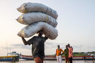 Regula Tschumi Photography album: Markets around the Lake Volta - Regula_Tschumi-0967.jpg