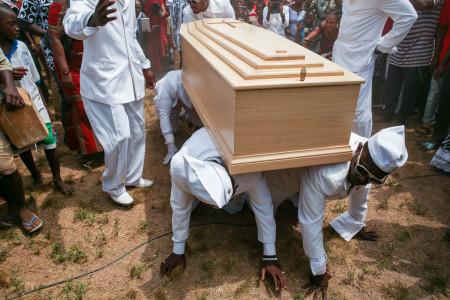"Regula Tschumi Photography album: <strong>The Ghana Coffin Dancers<span class=""ql-cursor""></span></strong> - Regula_Tschumi-9766.jpg"