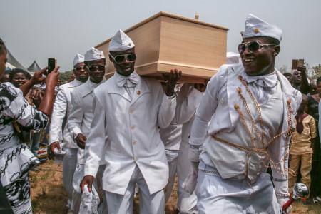 "Regula Tschumi Photography album: <strong>The Ghana Coffin Dancers<span class=""ql-cursor""></span></strong> - Regula_Tschumi-9772.jpg"