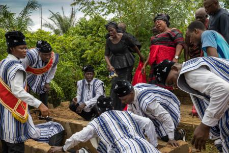 "Regula Tschumi Photography album: <strong>The Ghana Coffin Dancers<span class=""ql-cursor""></span></strong> - Regula_Tschumi-9361.jpg"
